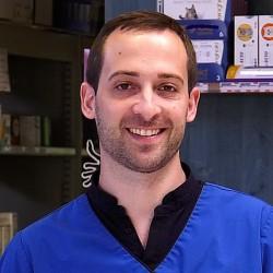 Dr. Vincent Charvet