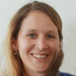 Dr. Pauline Deudon