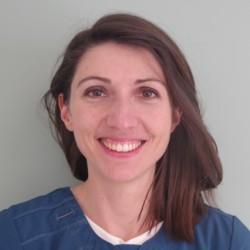 Dr. Evelyne Bussiere