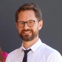 Dr. Cyril Berg