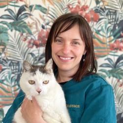 Dr Elise Graveron